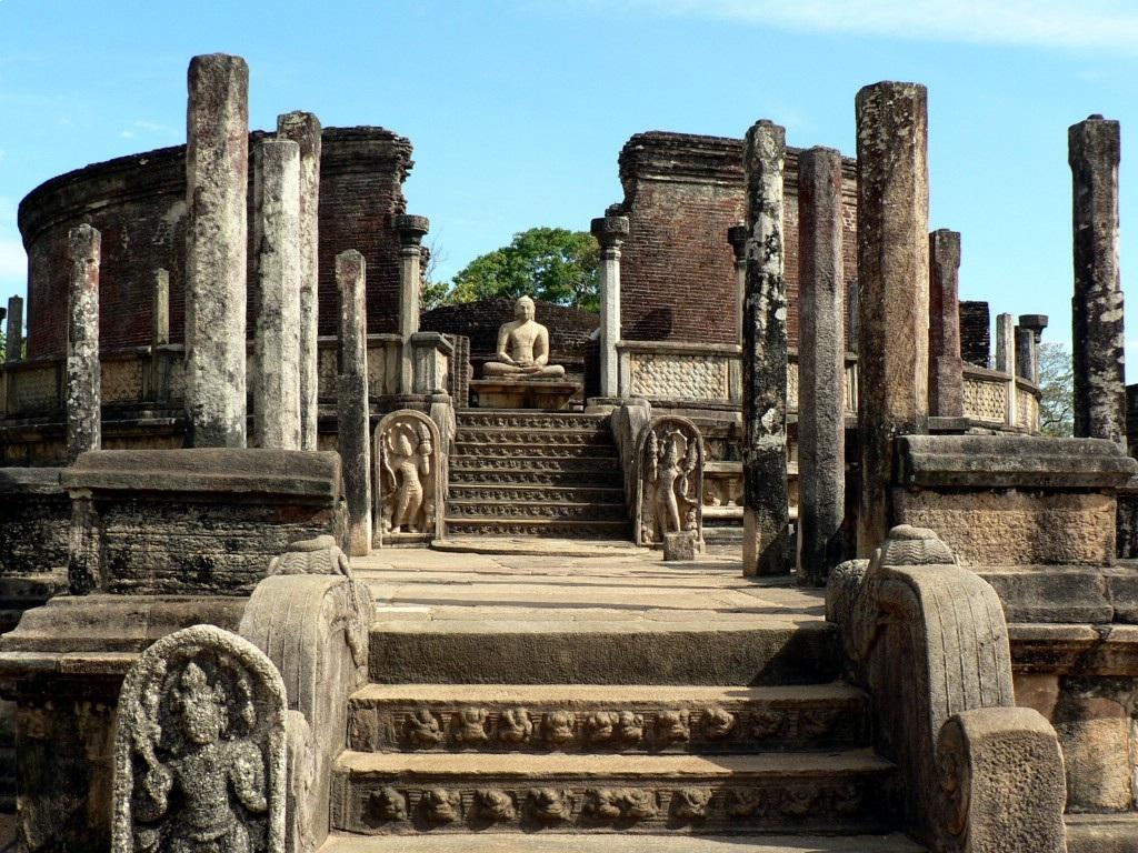 Oude ruines in Polonnaruwa, Sri Lanka